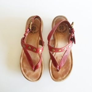 Lucky Brand red sandal SZ 7